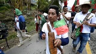 Bastón en mano, guardias indígenas claman por unidad ante asesinatos en Colombia