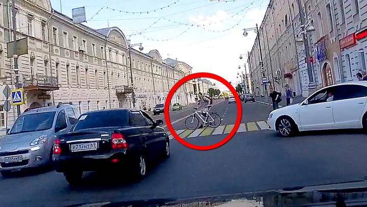 Syklisten har skjønt det –sjåføren har ikke snøring
