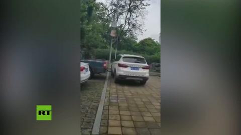 Esto le pasó por dejar el auto mal estacionado