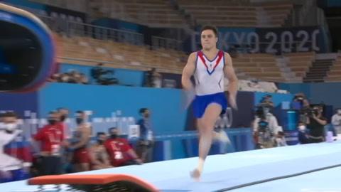 Los rusos arrebatan a Japón el título olímpico por equipos en la gimnasia