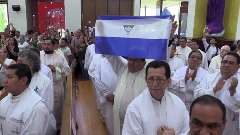 Obispo Báez de Nicaragua se despide antes de ir al Vaticano