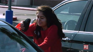 Customers React To Curbside Pickup at Stores – Video