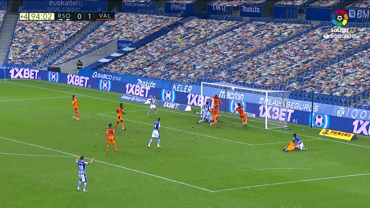 El VAR anuló este gol de la Real en el 95': hubo mano de Elustondo