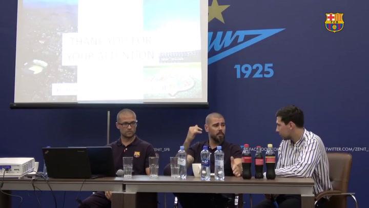 Magistral Víctor Valdés en una charla sobre La Masia