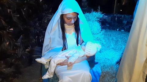 Disfrute de la magia del nacimiento viviente en la Franciscan School