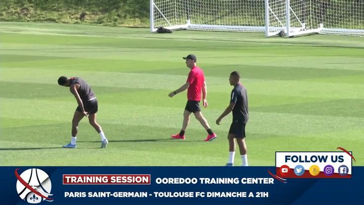 Neymar, durante el entrenamiento del PSG en el centre Ooredoo