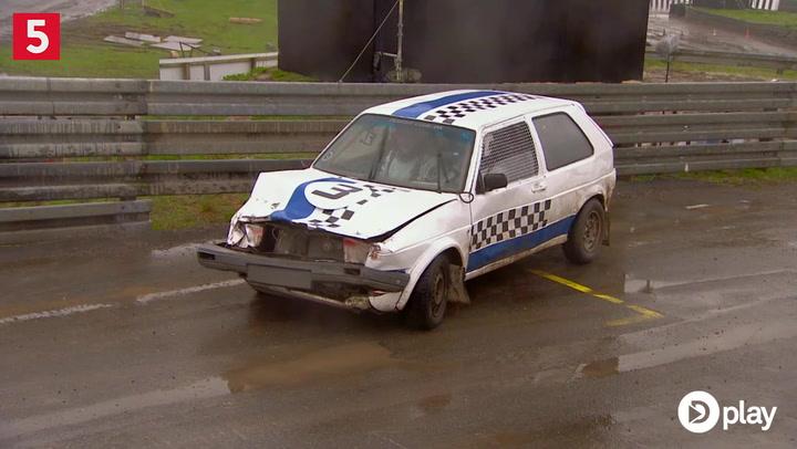 Bil totalsmadret: Kendt dansk DJ får ikke rettet bilen op i tide
