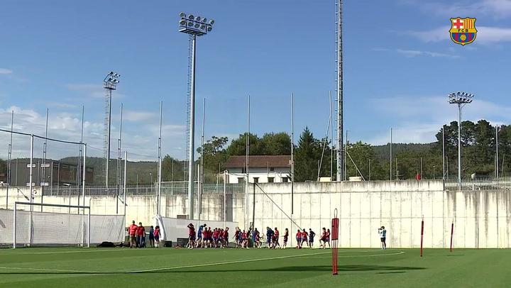 Último entrenamiento del Barça femenino antes de disputar el partido de Champions