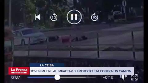 Joven muere al impactar su motocicleta contra un camión