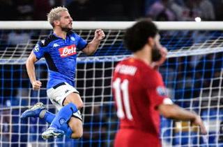 El Napoli le estrena la Champions al Liverpool derrotándolo en el San Paolo