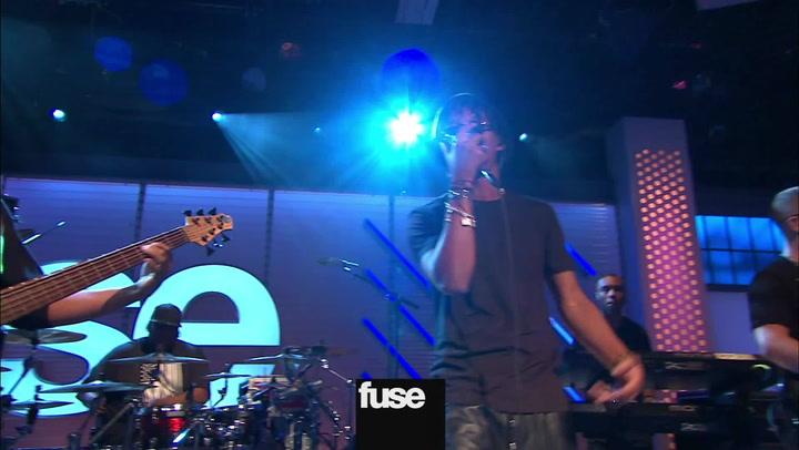 "Interviews: Lupe Fiasco Perfomance  ""Around My Way"""