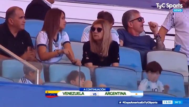 Mateo y Thiago Messi, los verdaderos protagonistas del Venezuela - Argentina