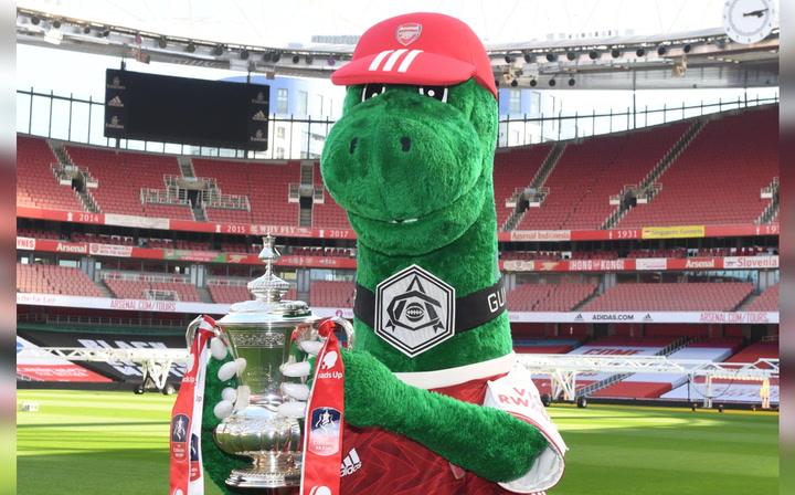 Así es Gunnersaurus, la mascota del Arsenal