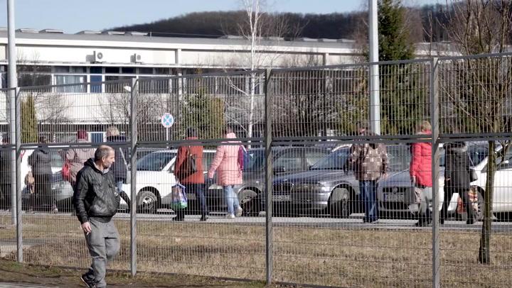 Az ABB ózdi dolgozói tanácstalanok a gyárbezárás híre után