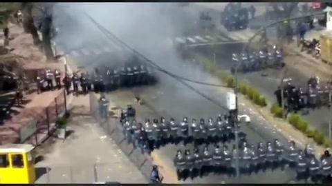 Represión policial en una marcha por despidos