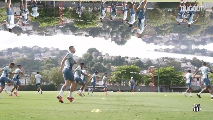 Pablo Fernandez e Rodrigo Casarin comandam treino do Santos