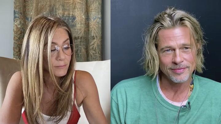 Brad Pitt y Jennifer Aniston 'coquetean' durante una videollamada