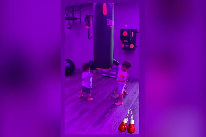 Mateo y Ciro hacen sus 'pinitos' con el boxeo