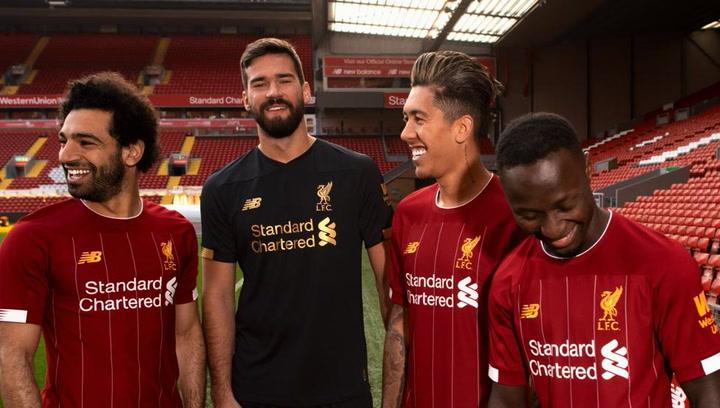 84c7a5d03732 El Liverpool presenta su nueva camiseta antes del duelo ante el Barça