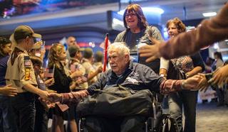 Honor Flight returns with vets in Las Vegas