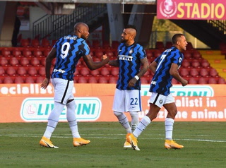 Inter de Milán golea al Benevento de Pippo Inzaghi en la Serie A