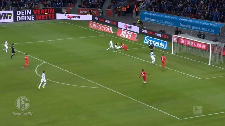 Así juega Ozan Kabak, pretendido por el Liverpool