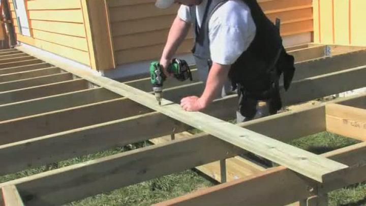 Hvordan bygge terrasse på søyler - 2 av 2