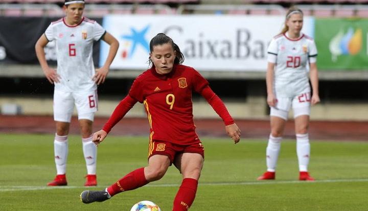 Un póker de Claudia Pina sella la goleada de España a Hungría (7-0)