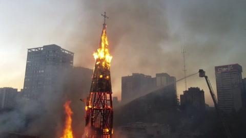 Iglesias incendiadas en Santiago