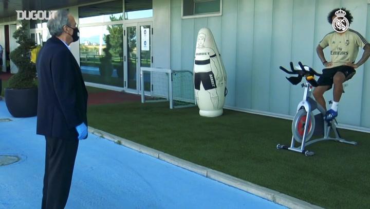 President Florentino Pérez visits Real Madrid players