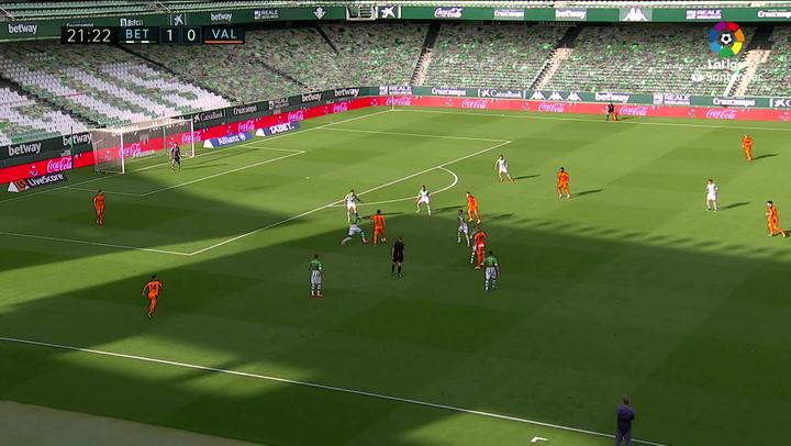 Gol de Guedes (1-1) en el Betis 2-2 Valencia