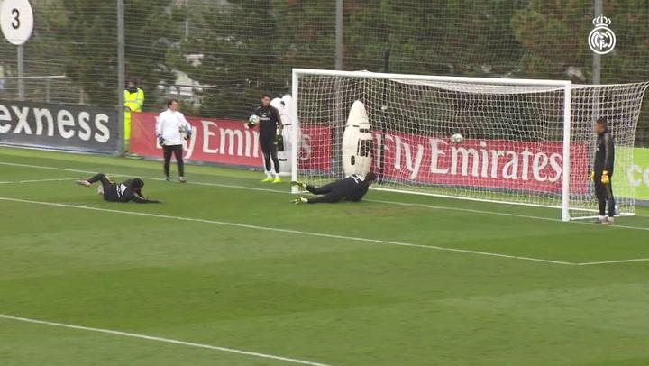 Último entrenamiento del Madrid antes de recibir a la Real Sociedad