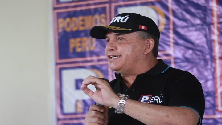 Daniel Urresti: arequipeños lo botan con insultos cuando iniciaba su campaña presidencial
