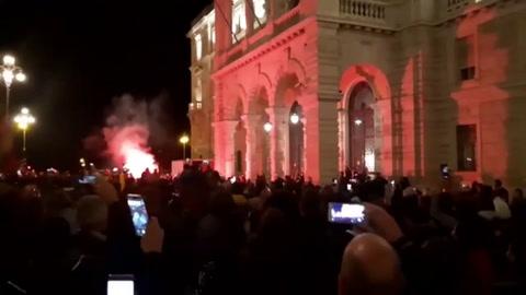 Choques con la policía en manifestaciones anticoronavirus en Italia