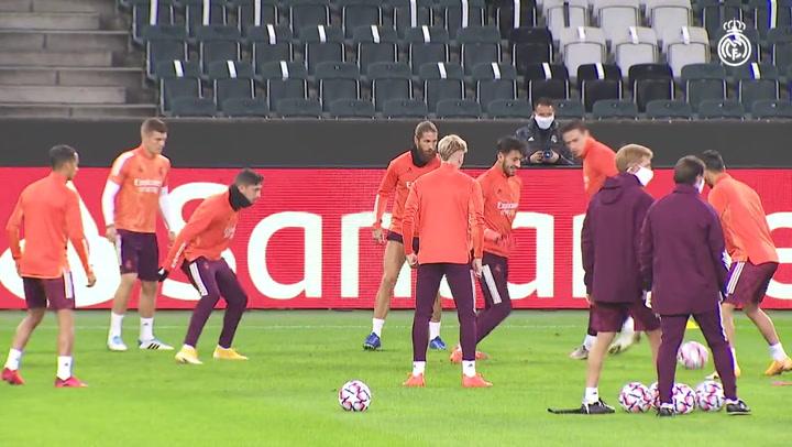 Hazard completa el último entrenamiento en el Borussia Park