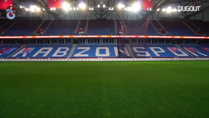 Akyazı Stadyumu'nda İstiklal Marşı Yankılanıyor