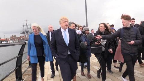 Johnson celebra histórica victoria conservadora en bastión de la izquierda británica