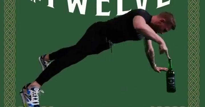 El 'challenge' más radical: McGregor te reta a hacer flexiones con whisky irlandés