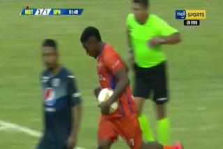 Franco Güity anota el 1 - 3 de UPN ante Motagua