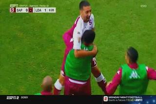 El espectacular golazo de tiro libre de Mariano Torres ante Alajuelense