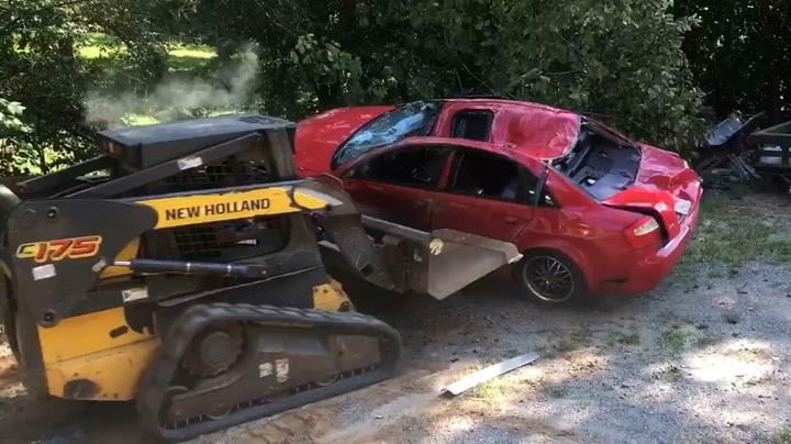 Pappa hevnet familiedrama – knuste datterens bil