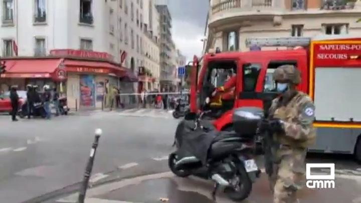 Cuatro personas heridas por arma blanca junto a la antigua sede de Charlie Hebdo
