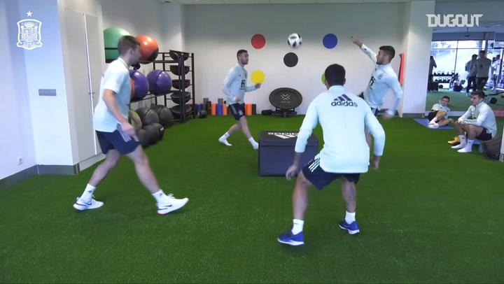 Spain U21 internationals play futnet inside the gym