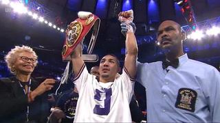 ¡Teófimo López noquea a Richard Commey y es campeón mundial de peso ligero!