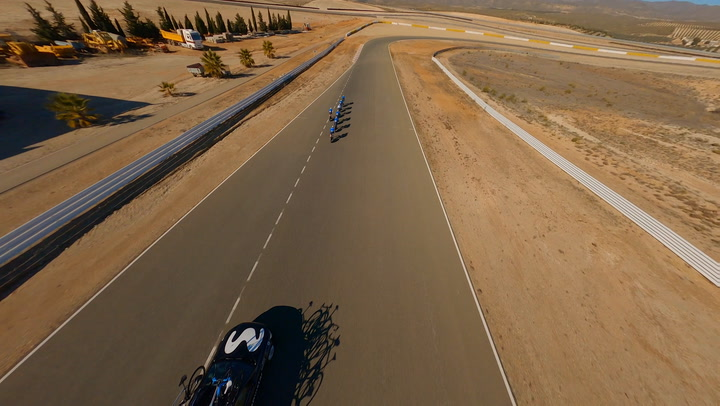 ¡Espectacular! un drone graba un entrenamiento del equipo Movistar Team