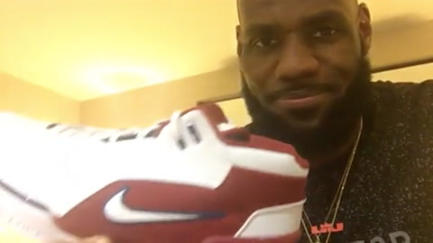 LeBron James Brings Back Some Heat