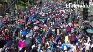 Nacionalistas marchan en la capital en apoyo a Juan Orlando Hernández