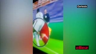 De un mordisco a esto... Luis Suárez y su tenso momento con  Rudiger que acabó con un pellizco en la Champions