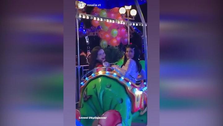 Rosalía, invitada sorpresa en la superfiesta de la hija de Kylie Jenner