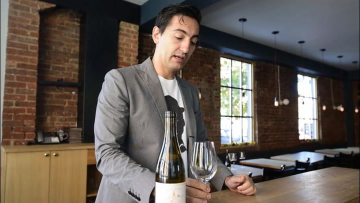 How to Taste Wine like a Sommelier